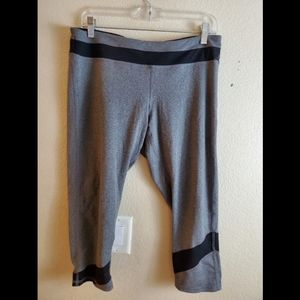 CHAMPION XL Gray Cropped Athletic Yoga Leggings